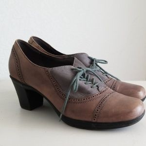 Clarks lace up oxfords